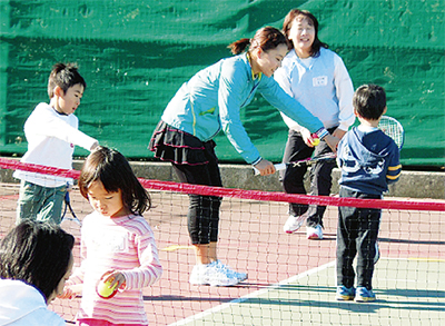 テニスで復興支援