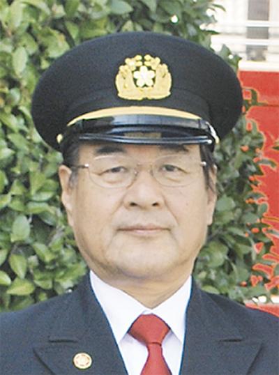 上野さんら消防団13人受章
