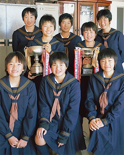 ソフトテニスで県制覇