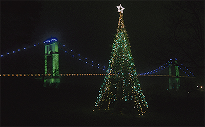 風の吊り橋もクリスマス