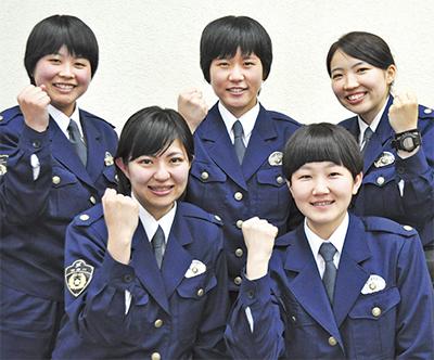 秦野署 交番に5人の女性警察官 創設後、最多の人数   秦野   タウン ...