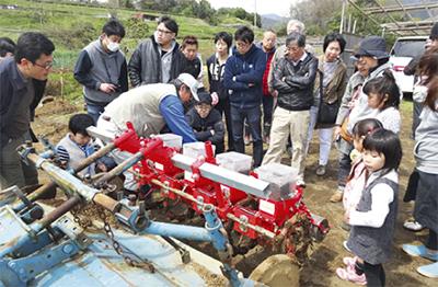 丹沢そば自社農園で種まき