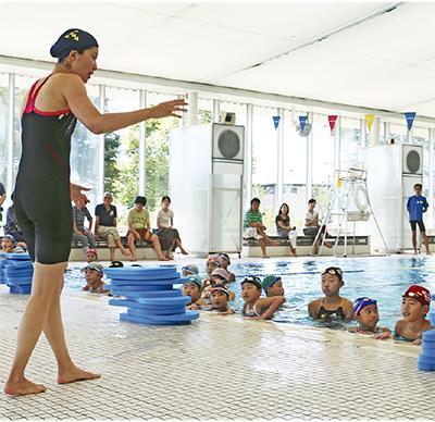 メダリストが水泳指導