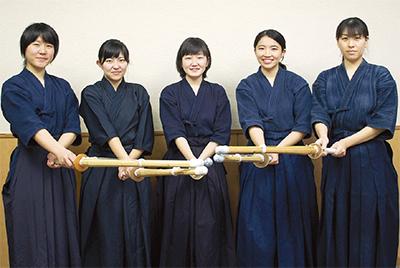 女性剣士チーム結成