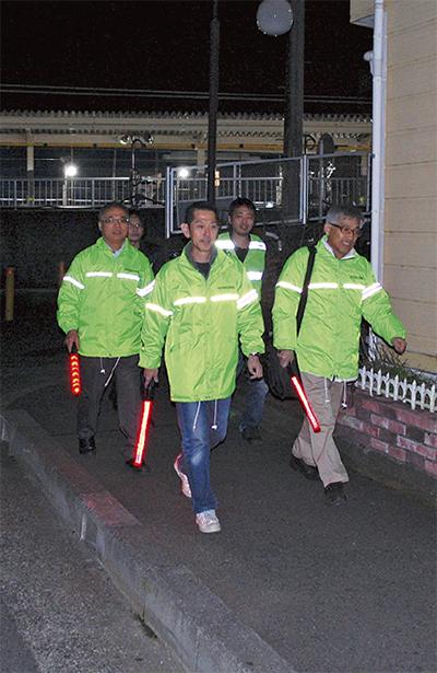 3駅で防犯パトロール