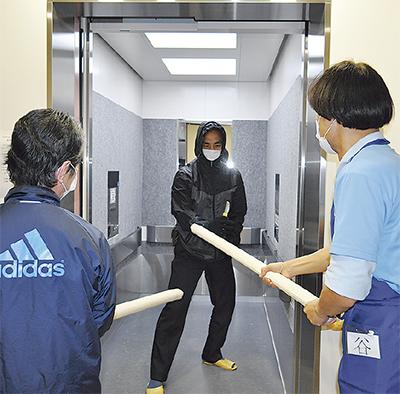 高齢者施設で初の訓練