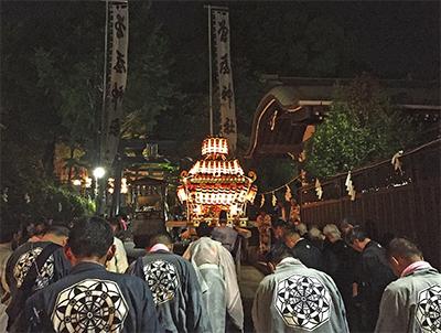 曾屋神社で例大祭