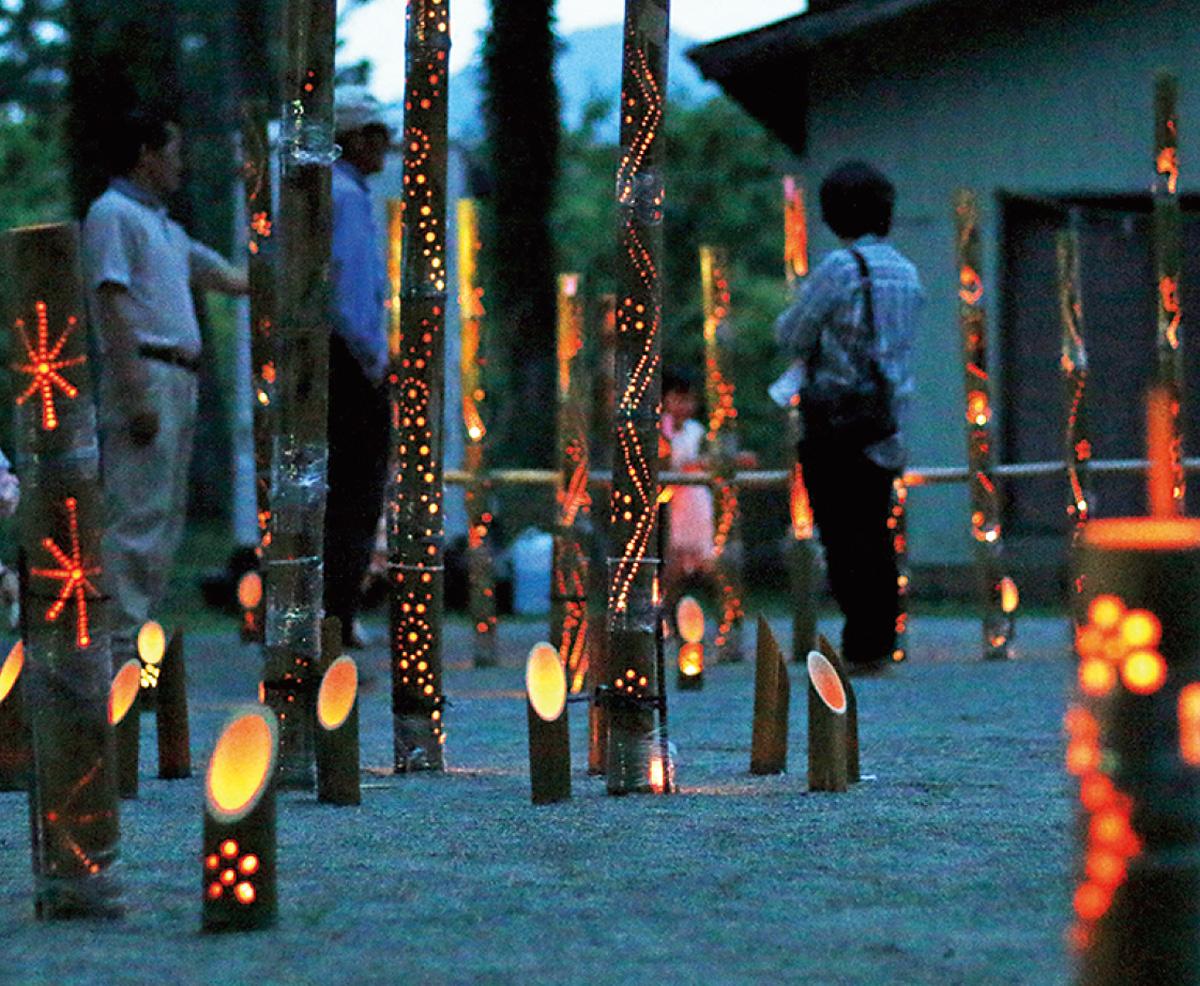 花鳥神社で竹あかり