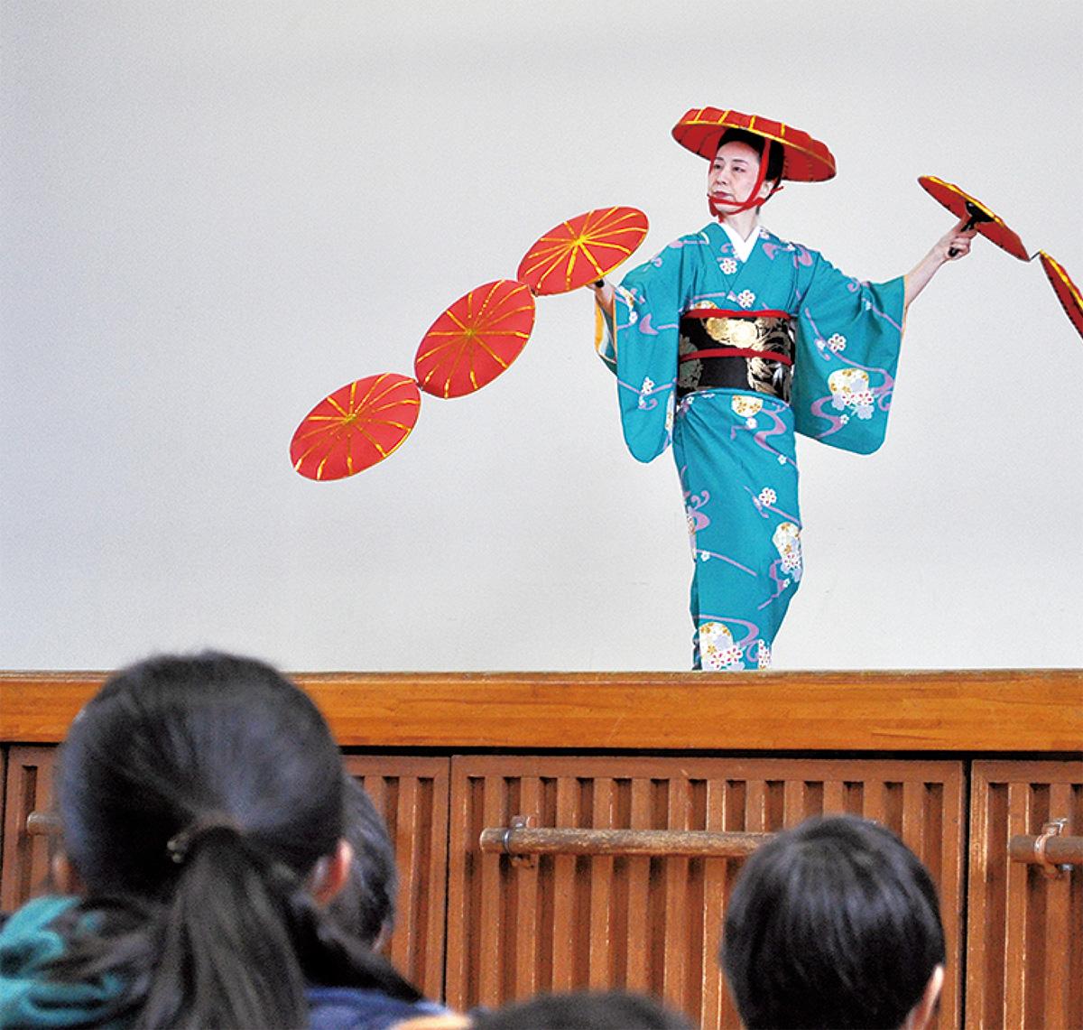 日本舞踊を伝える